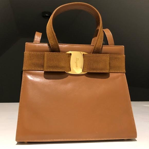 00c8aae7a649 Salvatore Ferragamo Vintage Vara Bow 2Way Handbag.  M 5c4647e71b329448a25eefae